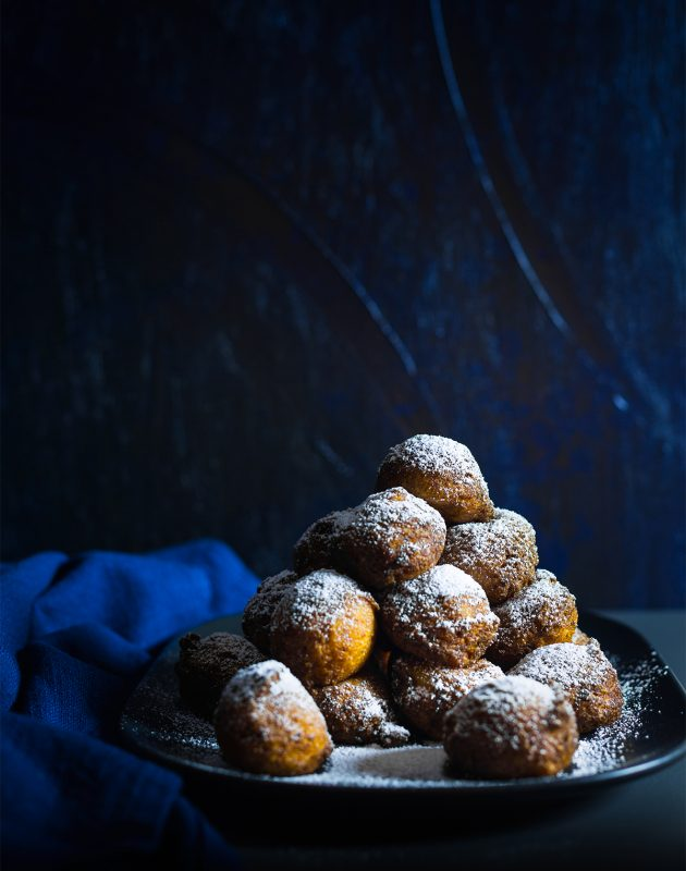 Ricotta Doughnuts with Chocolate Hazelnut Sauce