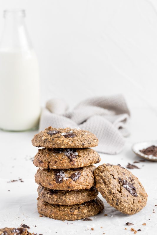 Healthy Chocolate Chunk Oat Cookies